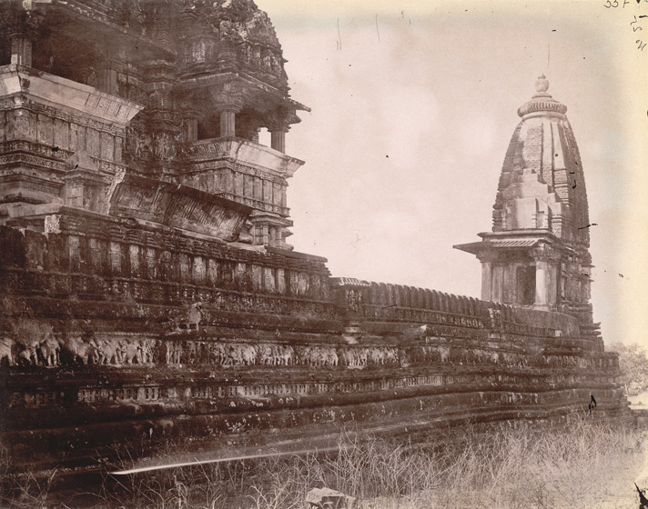 View looking along wall of the outer terrace of the Chaturbhuja Temple, Khajuraho